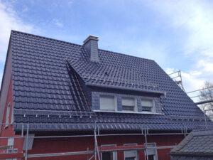 Dacheindeckungen mit Dachziegel und Dachstein