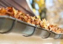Wartung und Reinigung der Dachfläche, Dachrinne und Fallrohre
